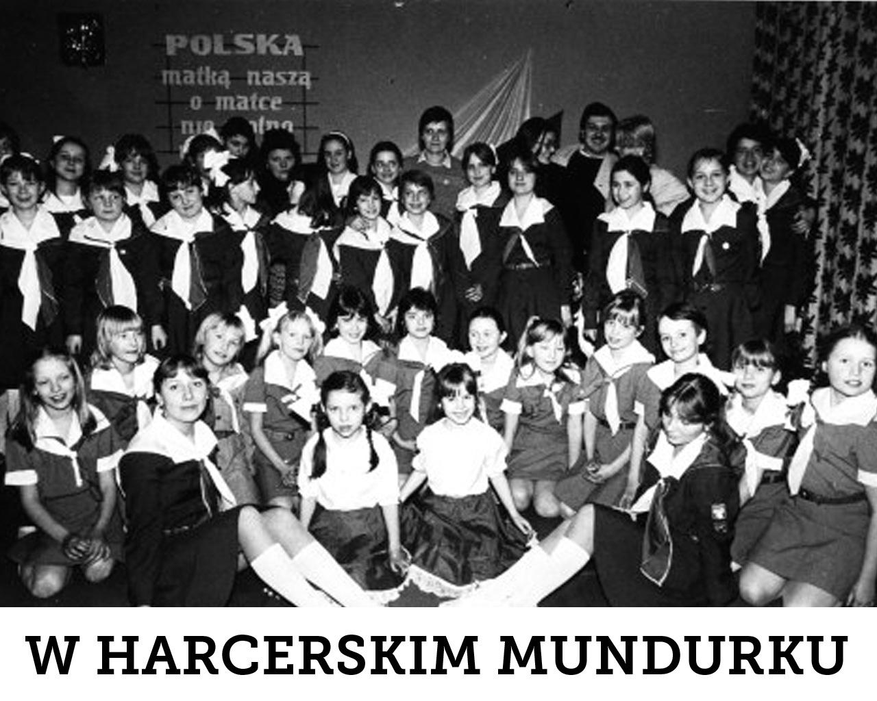 """Zespół Pieśni i Tańca """"Tysiąclatki"""" w 1985 r."""